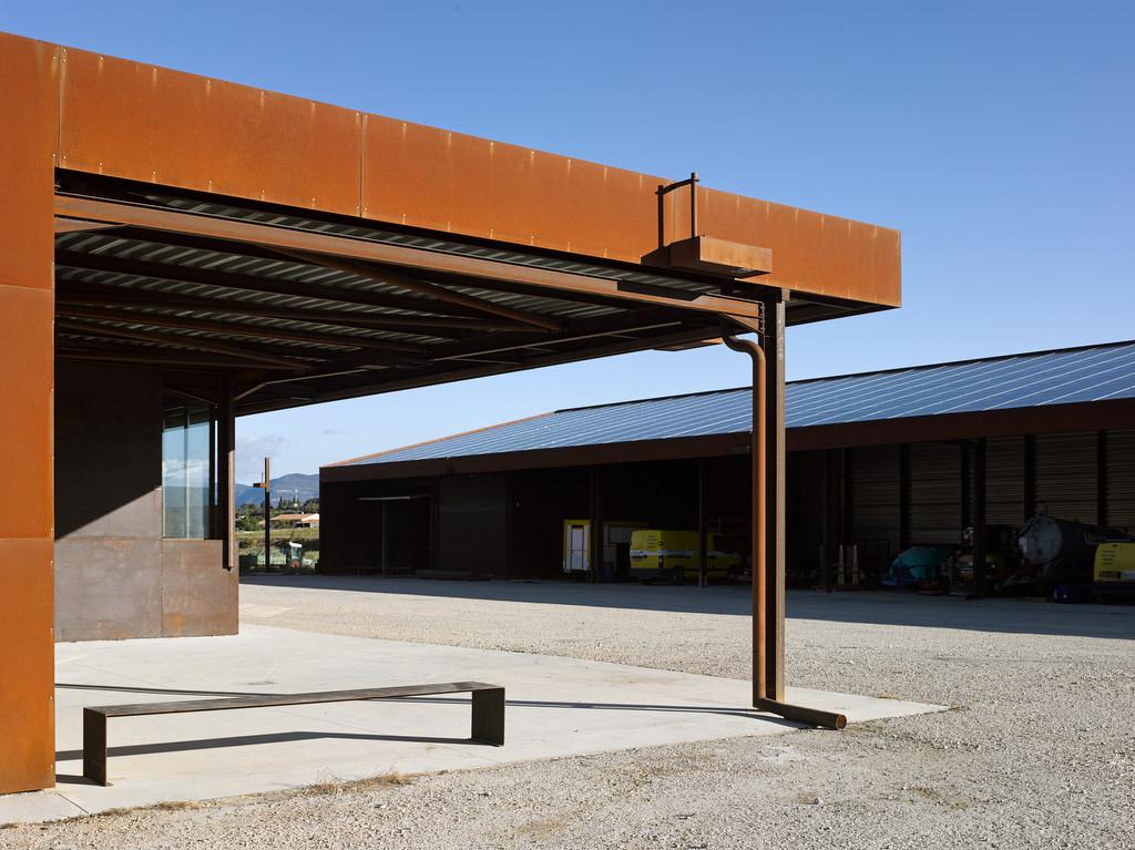 Hangar olŽicole le Mas de Palat ˆ GIGNAC (34150) Architecte : Alain FRAISSE